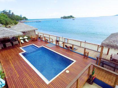 Vanuatu Beachfront Apartments Pool