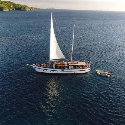 Coongoola Day Cruises